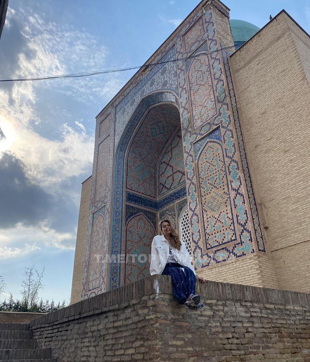 Гулнора Каримованинг қизи Ўзбекистонга қайтди (ФОТО)