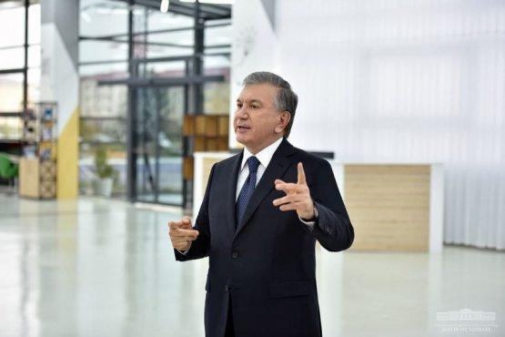 """Mirziyoyev: """"Bu ikki sohani rivojlantirmasdan turib raqobatbardosh mamlakat bo'la olmaymiz"""" (FOTO)"""